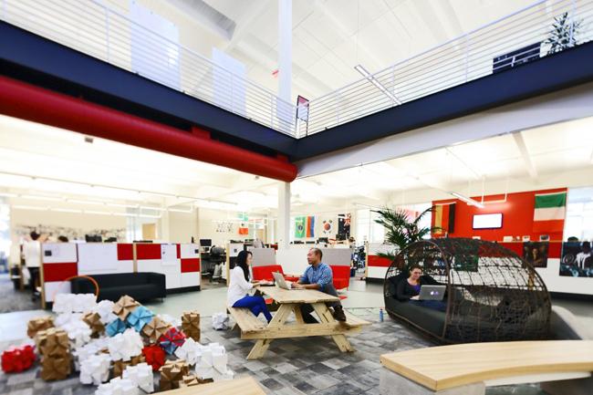Les fantastiques bureaux de youtube san bruno for Bureau youtubeur