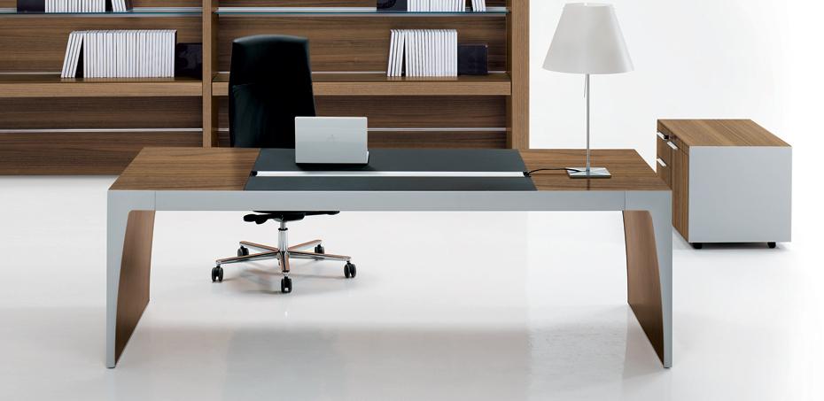 sarl astone france fourni son bureau chez la mercanti. Black Bedroom Furniture Sets. Home Design Ideas